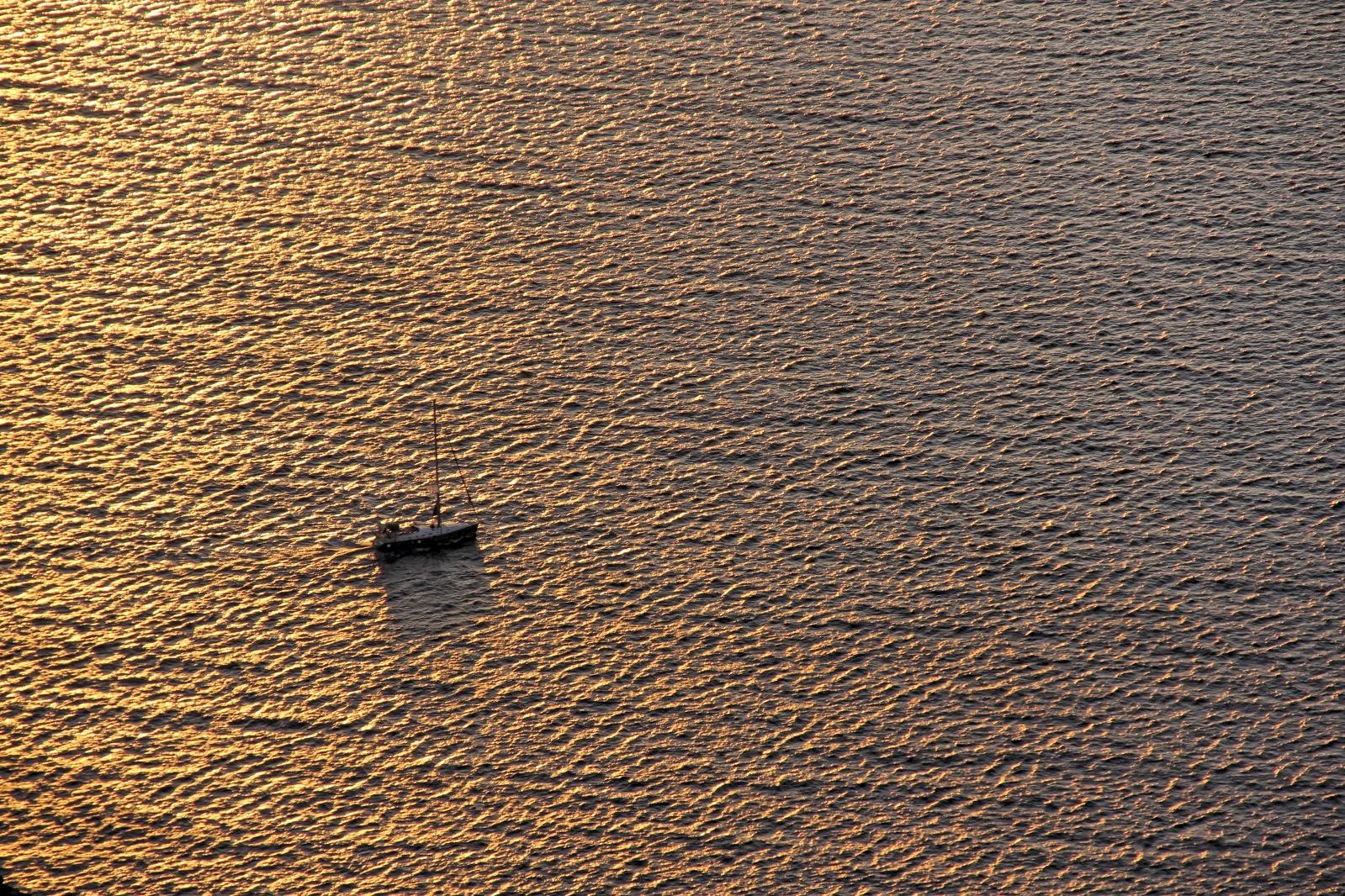 lonely boat.jpg