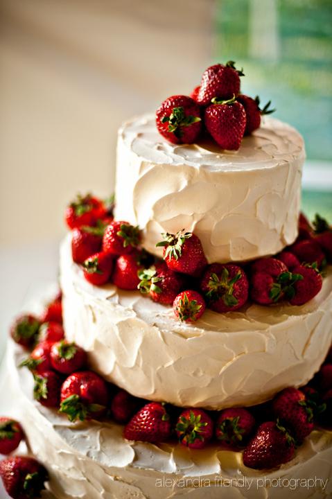 Strawberries cake.jpg