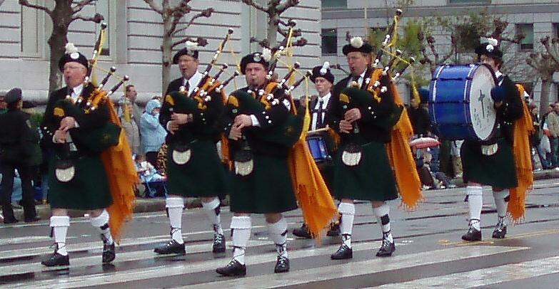 Photo courtesy of Bill Driscoll  The Irish Tradition Pipe Band at the San Francisco St. Patrick's Day Parade (2007)