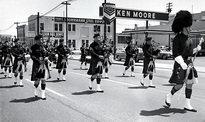 Reprinted with permission from the SAN FRANCISCO HISTORY CENTER, SAN FRANCISCO PUBLIC LIBRARY   San Francisco Police Pipe Band (05 May 1964)