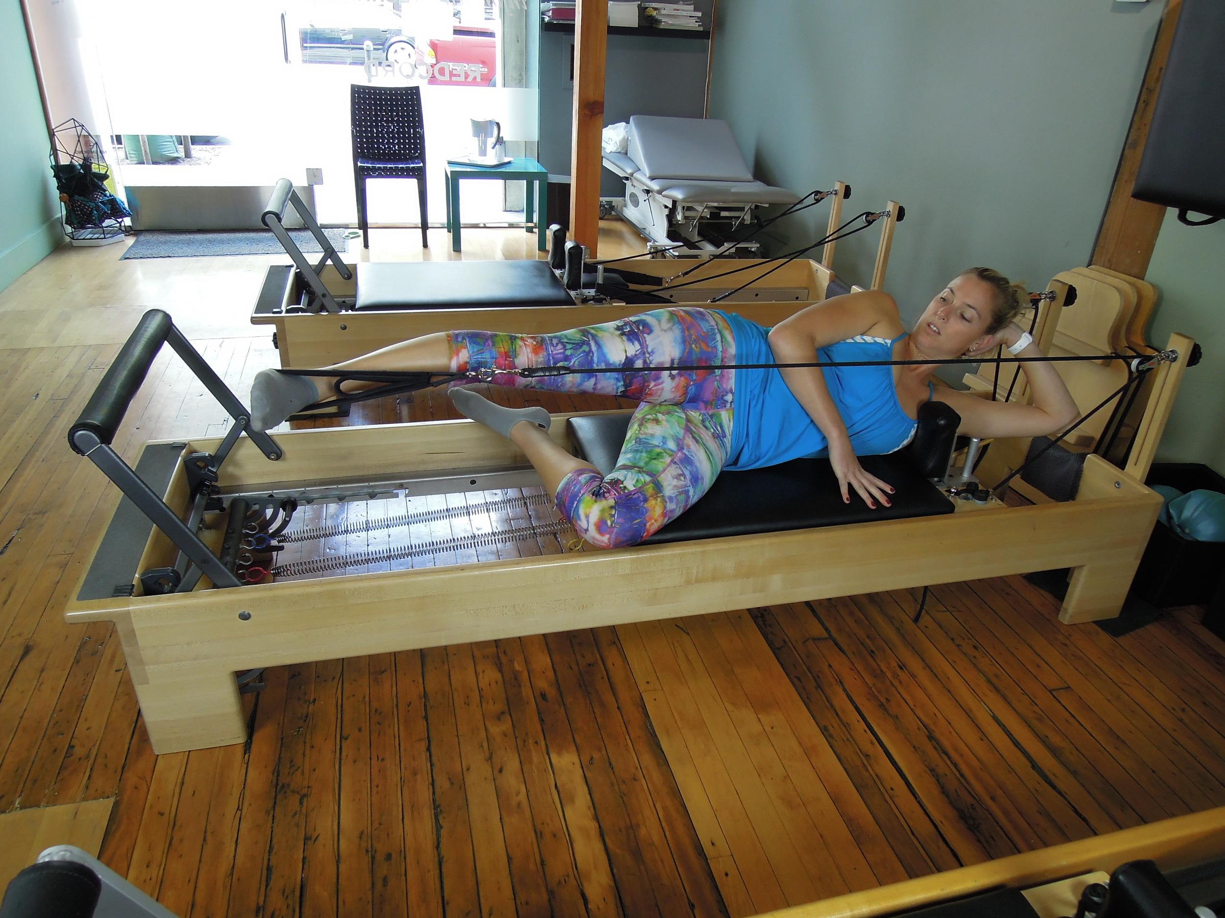Side lying legs in straps
