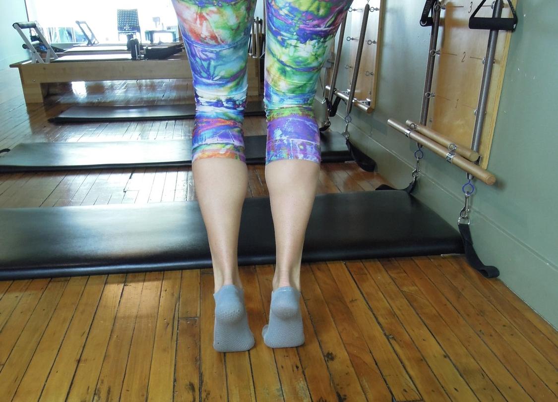 Calf raise with bent knees