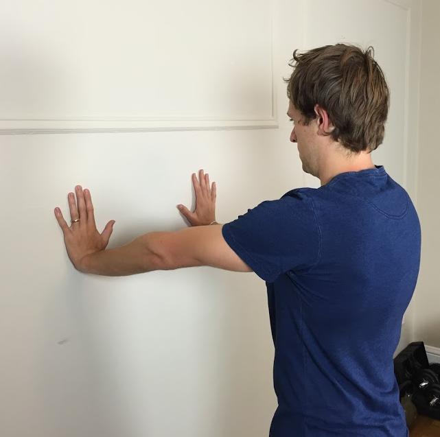 Serratus anterior wall push up plus