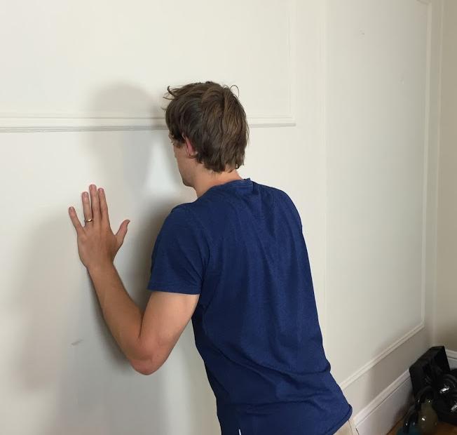 Serratus anterior wall push up