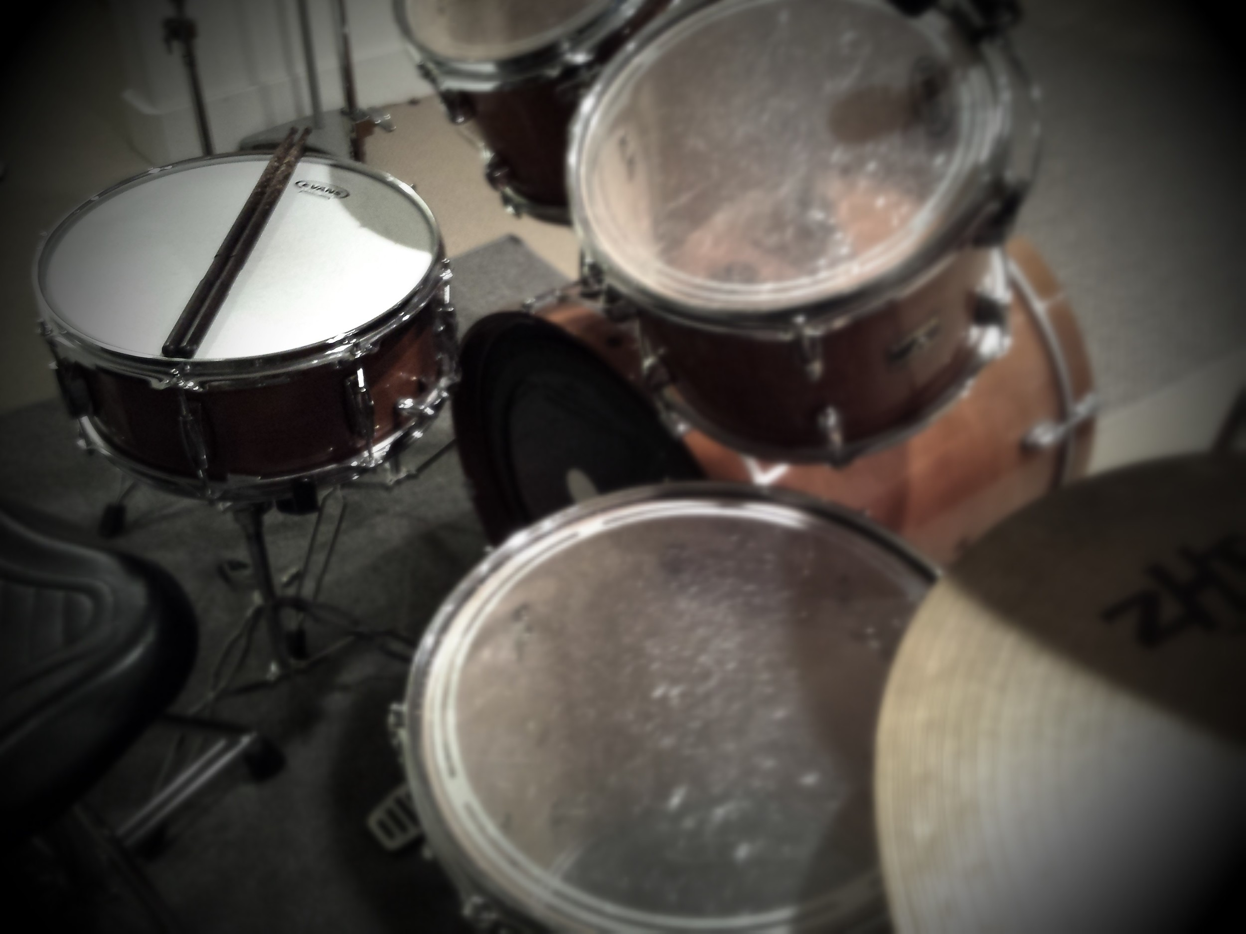 The Maple set. Four Toms, Snare, and Kick, Two Crashes, Hihats, Splash and China