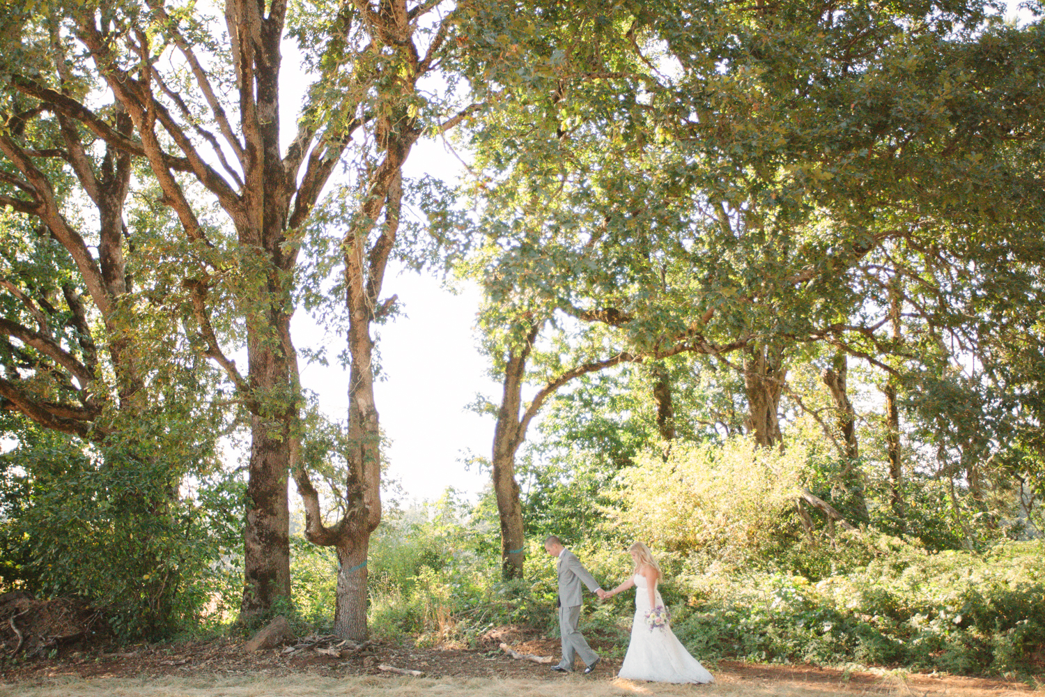 Romantic-Oregon-Wedding-in-the-Woods-17