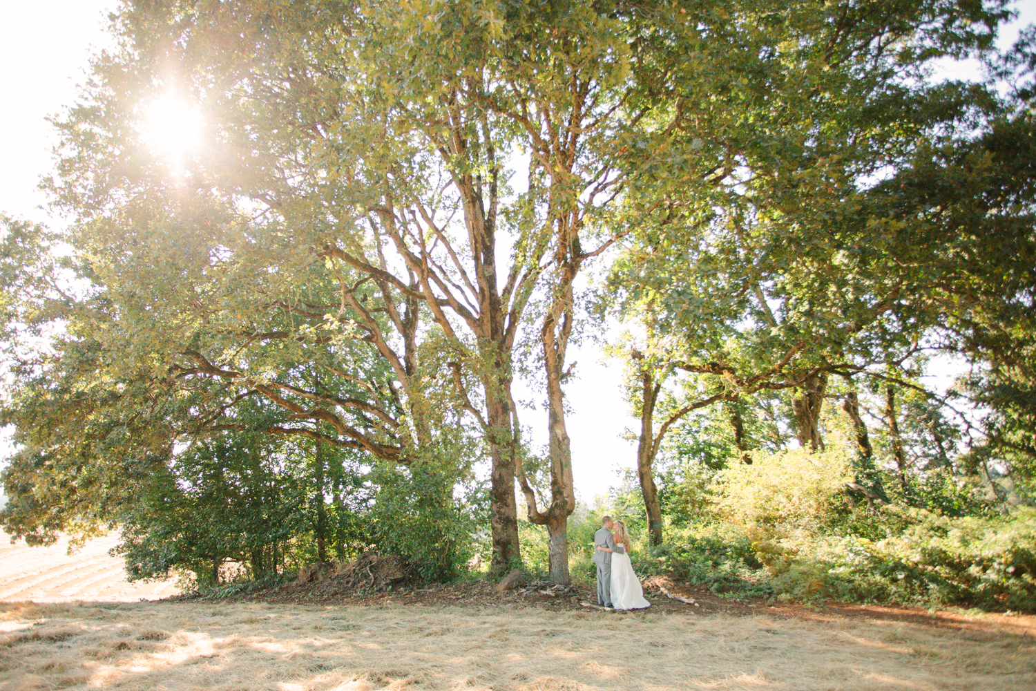 Romantic-Oregon-Wedding-in-the-Woods-18