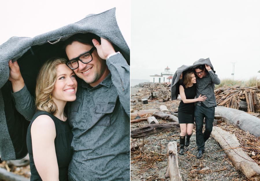 Rainy Seattle Engagement Photos-3.jpg