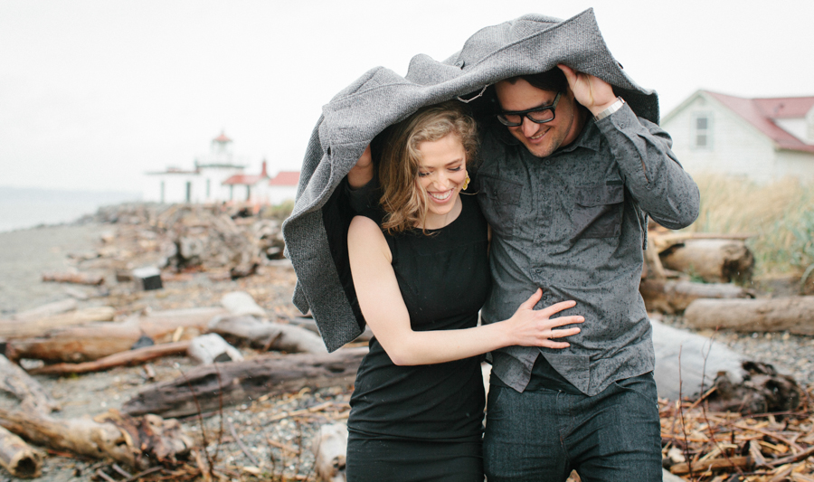 Rainy Seattle Engagement Photos-4c.jpg