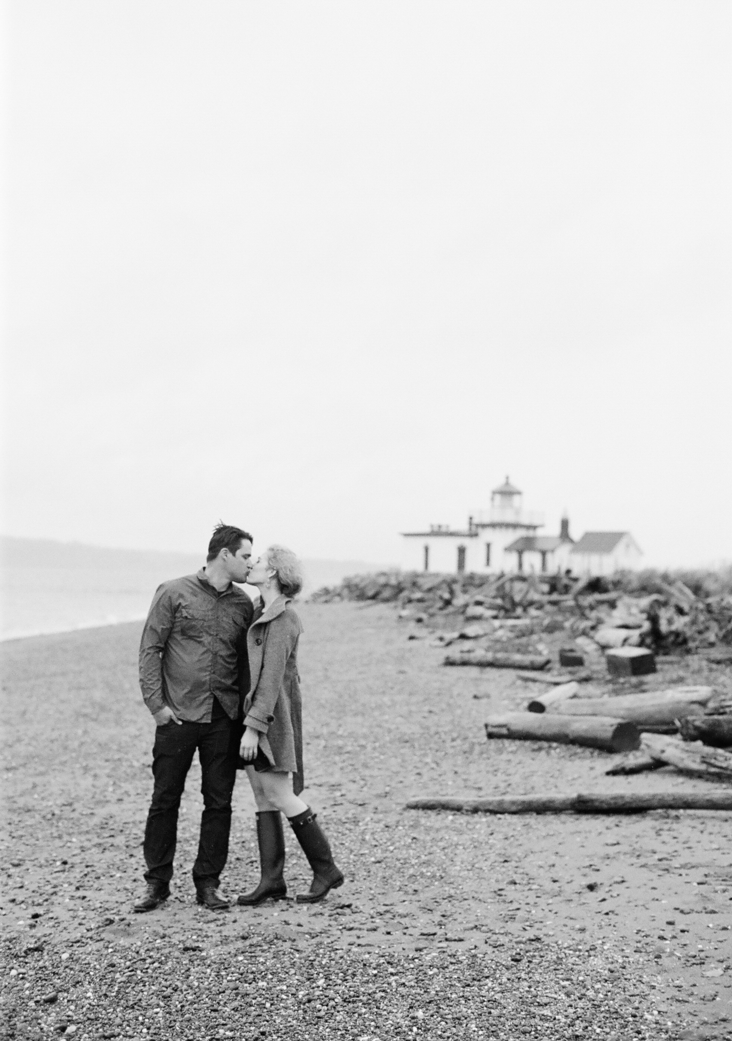 Rainy Seattle Engagement Photos-5a.jpg