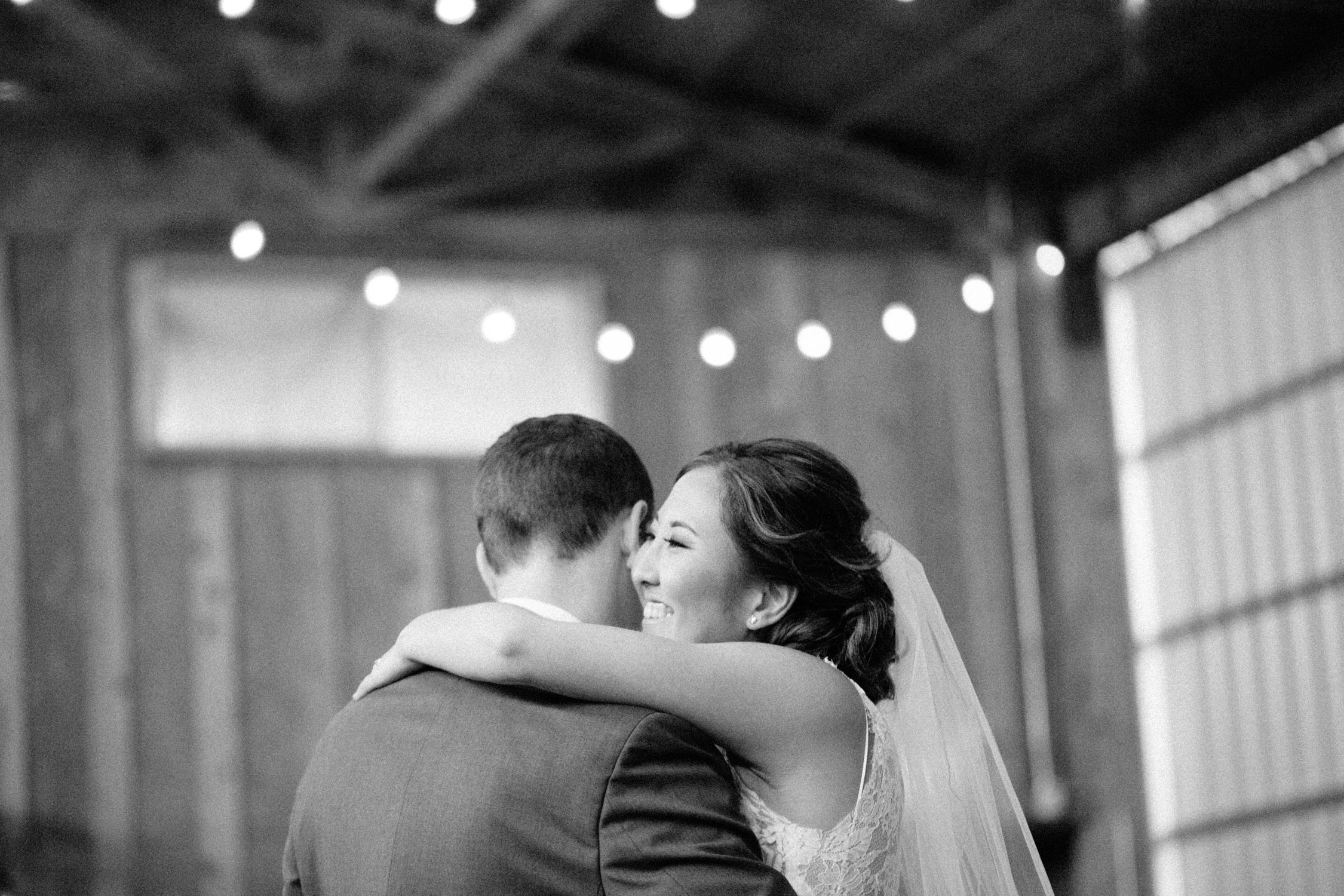 Postlewaits Oregon Wedding by Michelle Cross-49.jpg