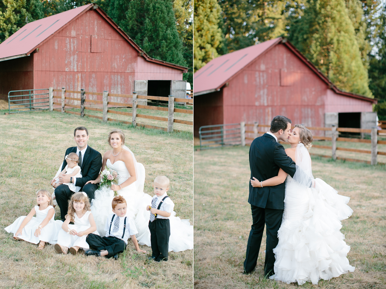 Oregon Barn Wedding by Michelle Cross-15.jpg