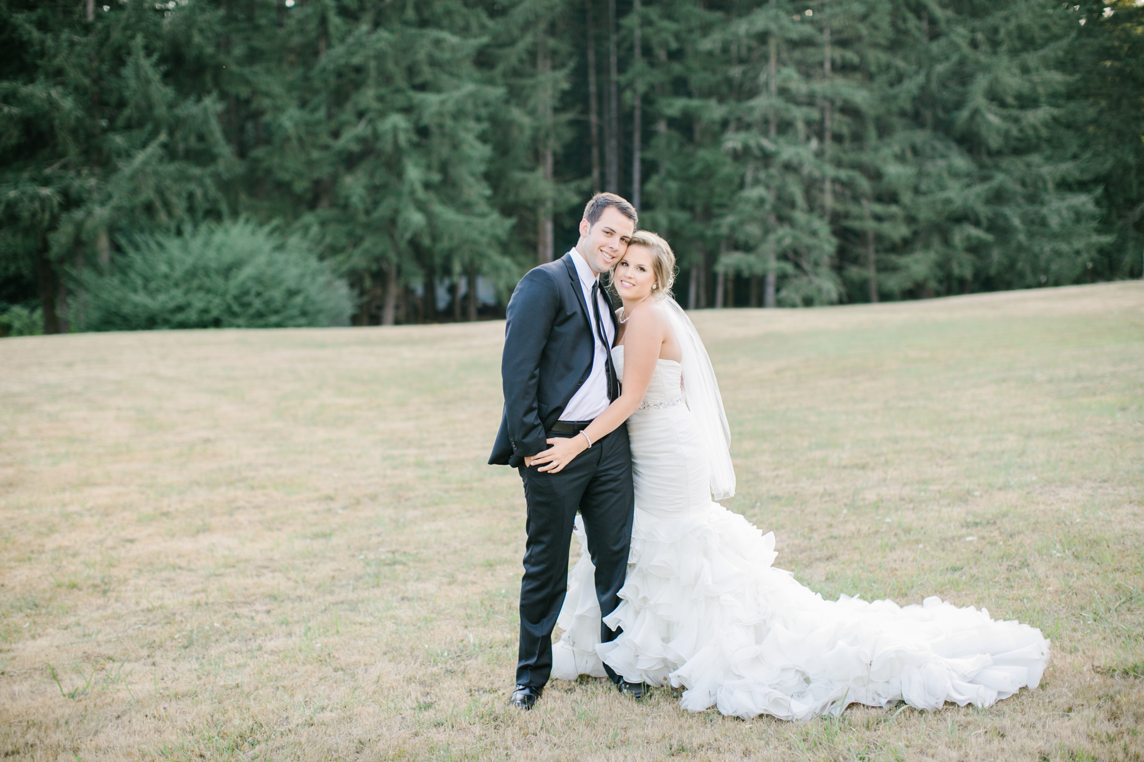 Oregon Barn Wedding by Michelle Cross-25.jpg