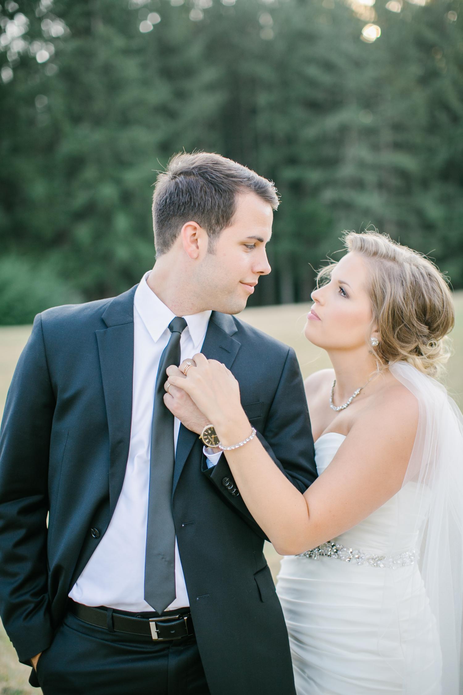 Oregon Barn Wedding by Michelle Cross-28.jpg