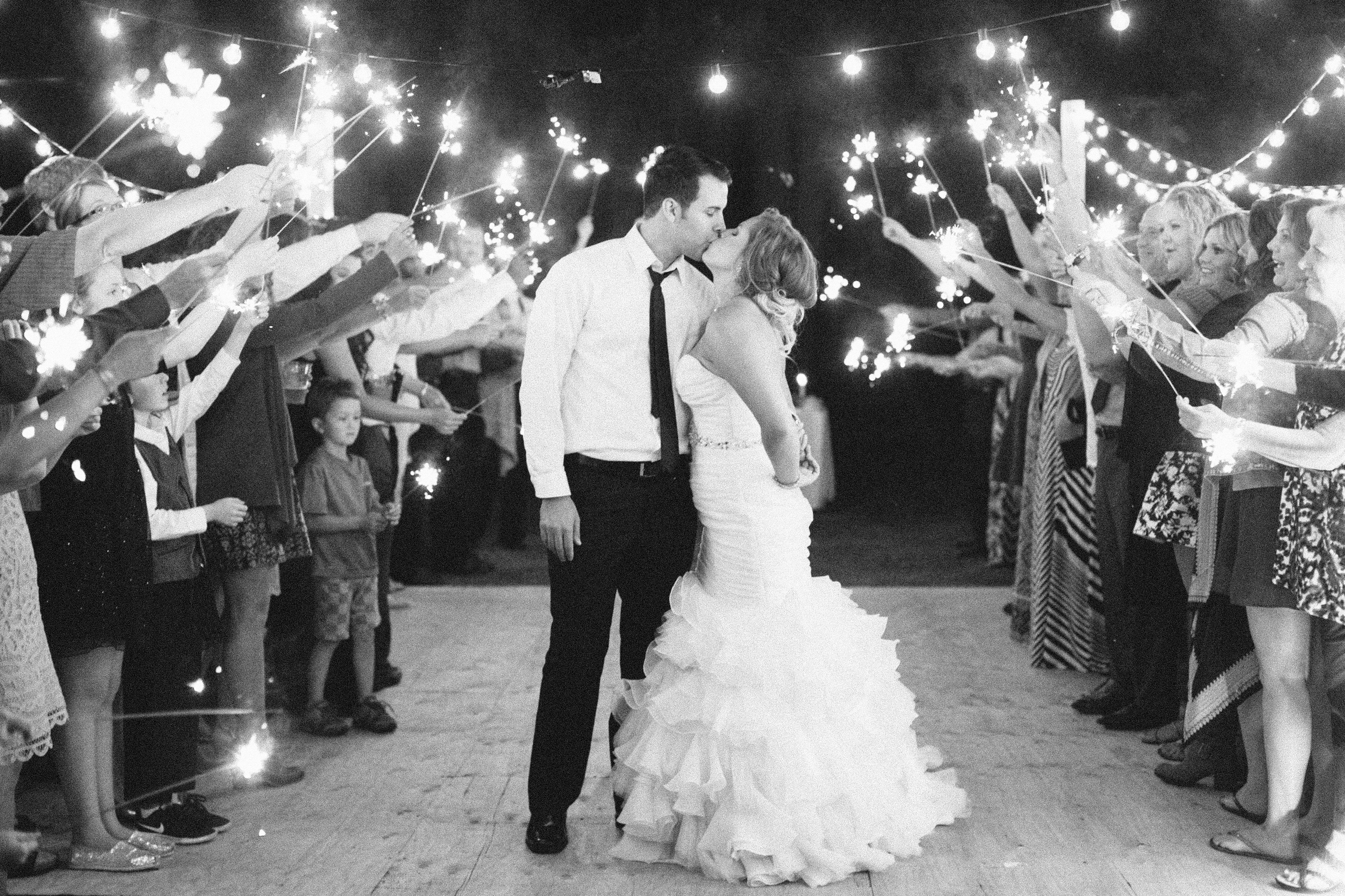 Oregon Barn Wedding by Michelle Cross-57.jpg