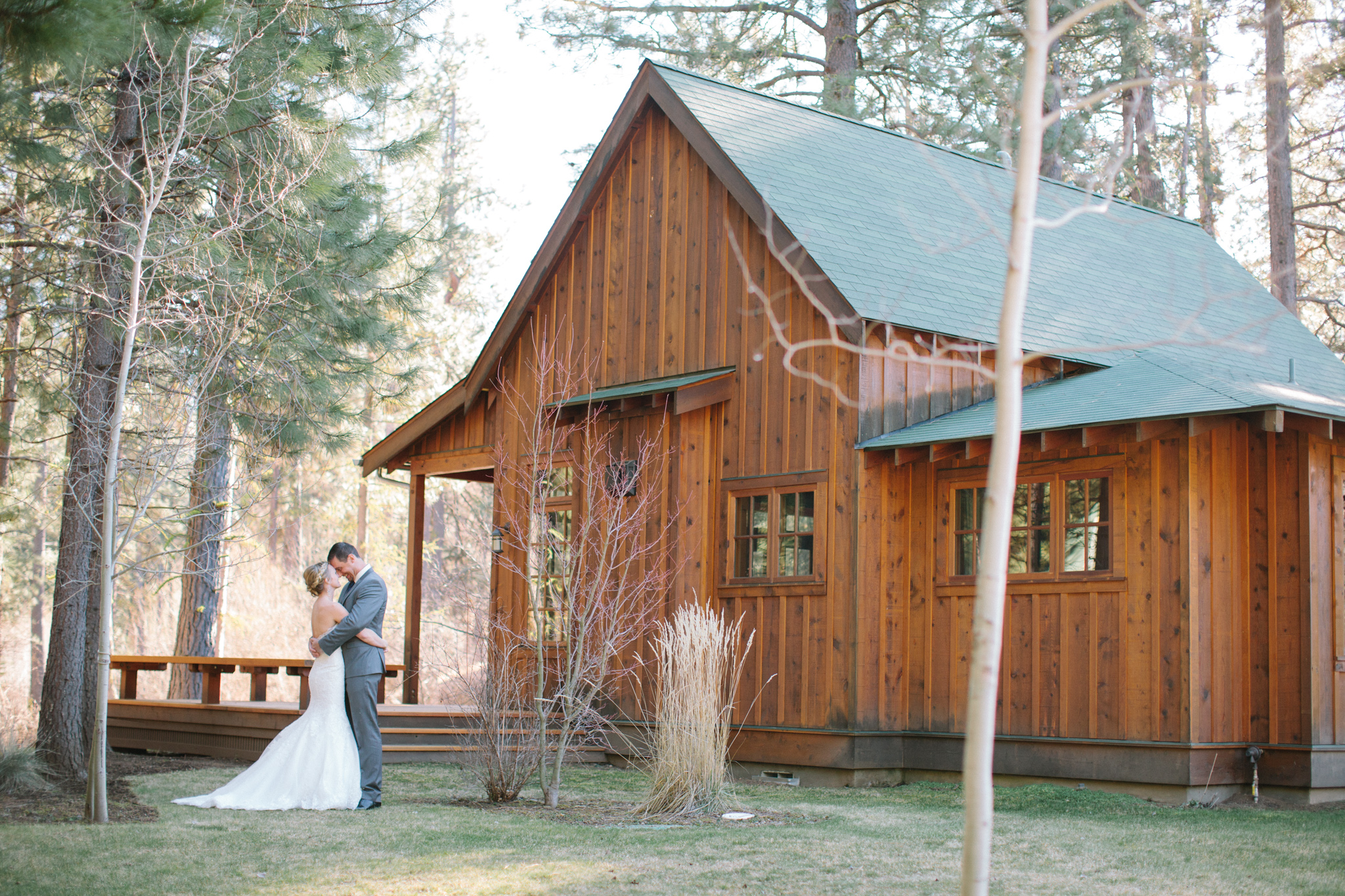 Bend Oregon Lake Creek Lodge Wedding by Michelle Cross-1.jpg