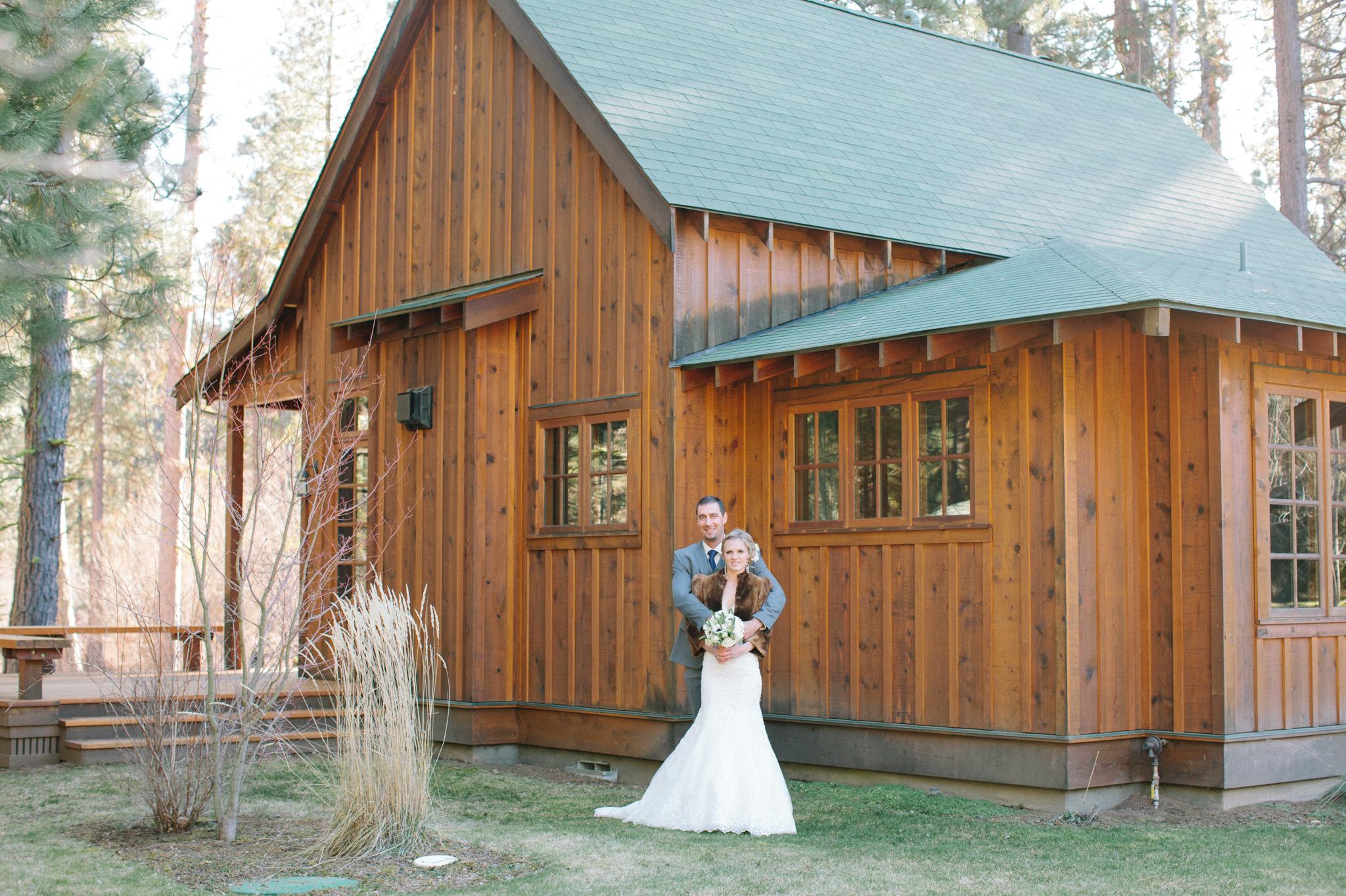Bend Oregon Lake Creek Lodge Wedding by Michelle Cross-5.jpg