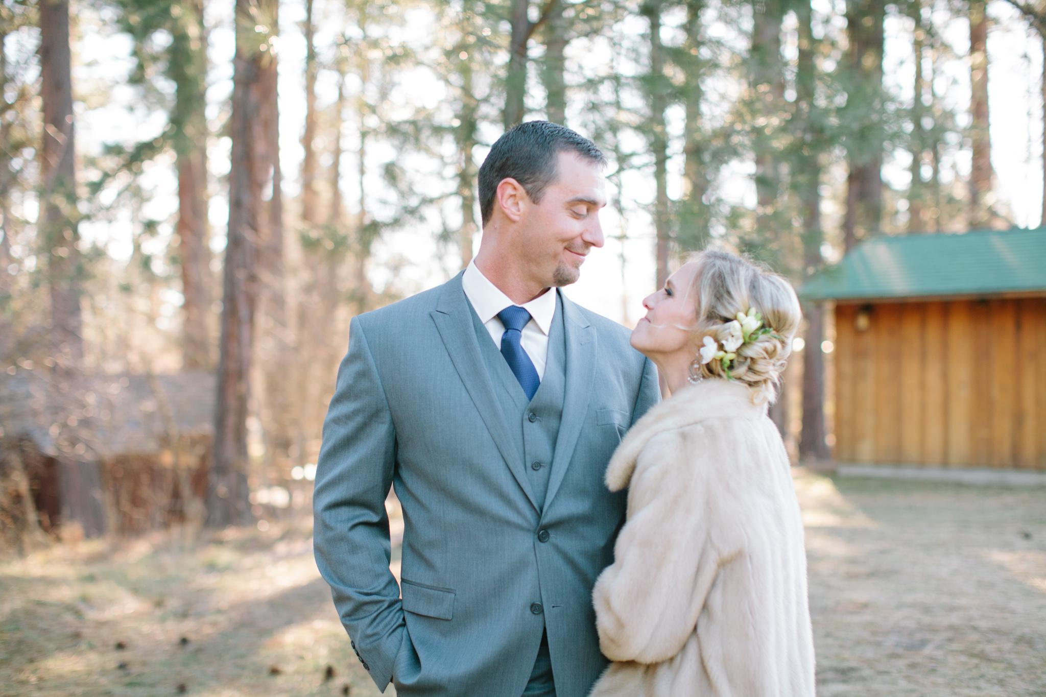 Bend Oregon Lake Creek Lodge Wedding by Michelle Cross-9.jpg