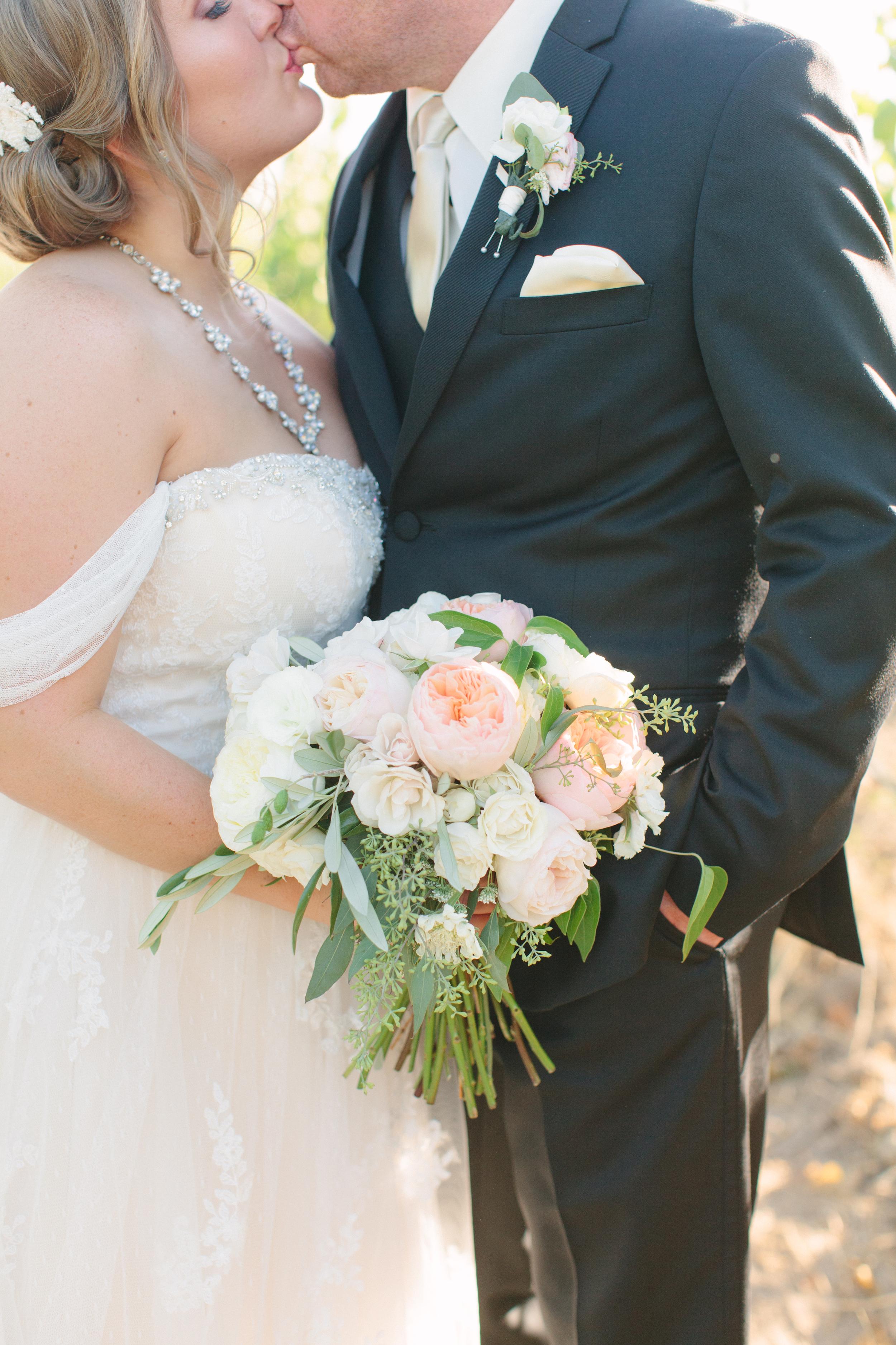 Michelle Cross_Larson Wedding1384.jpg