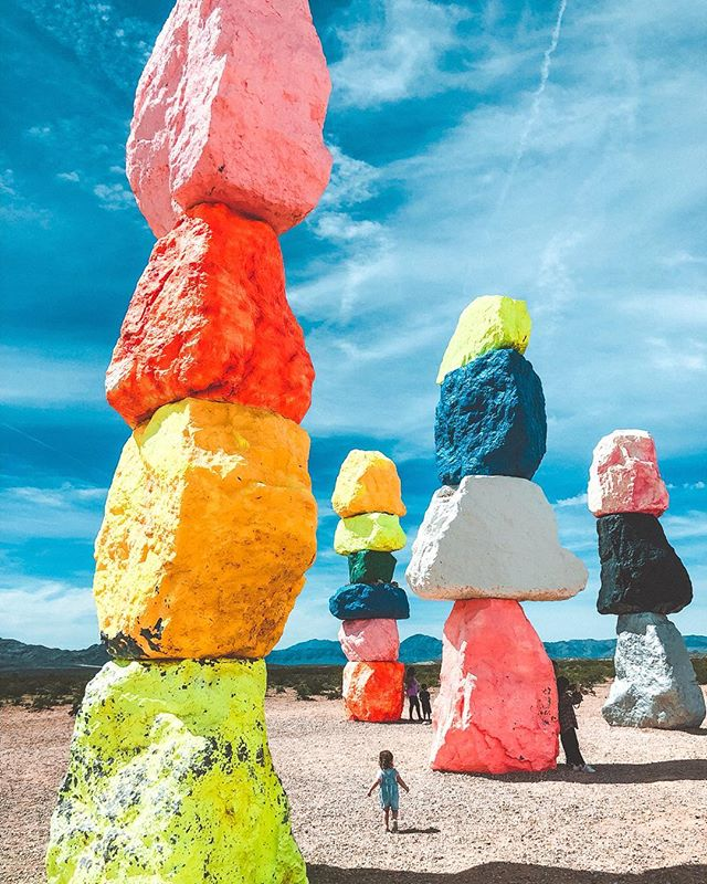 The things you find in the desert 🌵✨ #7magicmountains #ugorondinone