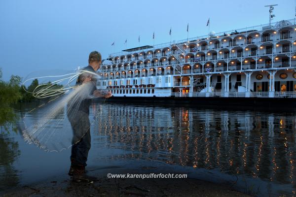 Riverboat 02.JPG