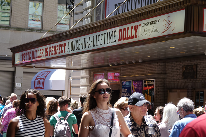 © Focht 08022017  Bette Midler Hello Dolly  003.JPG