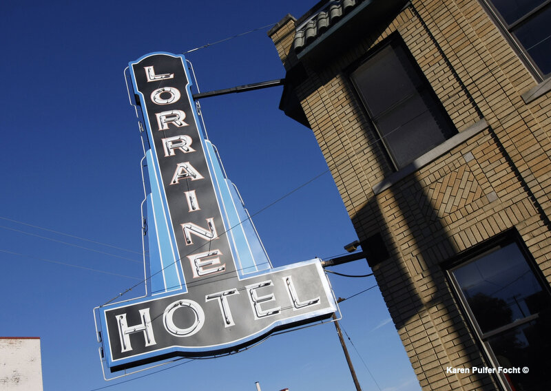 Lorainne Motel Sign.JPG