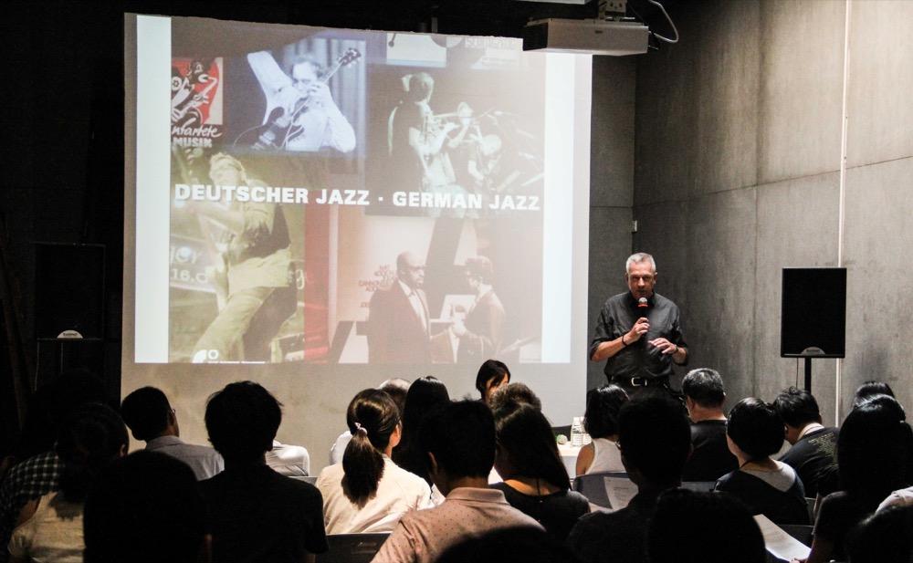 2014年10月12日讲座现场。摄影:沈润江Will