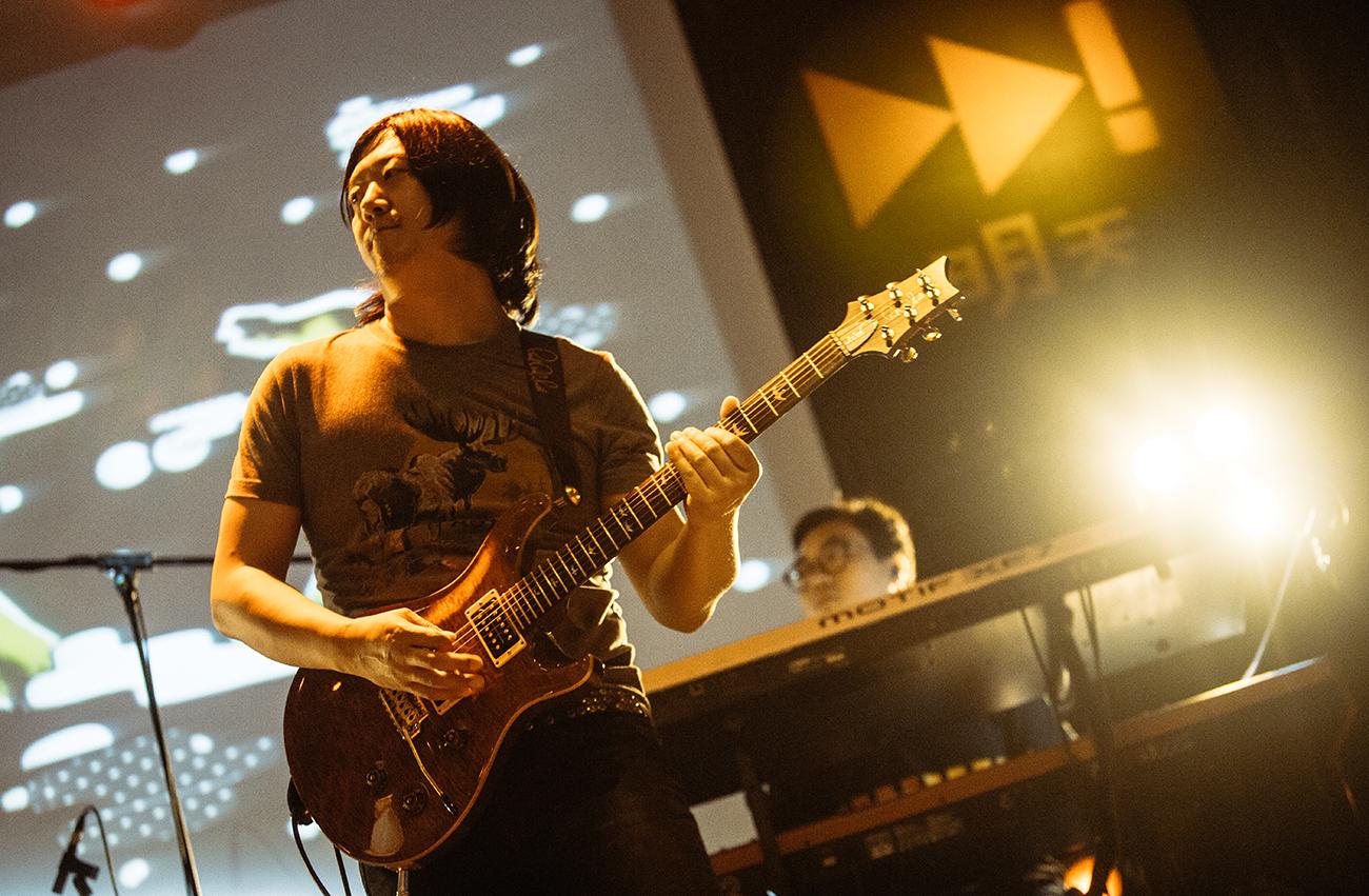 吉他2.jpg