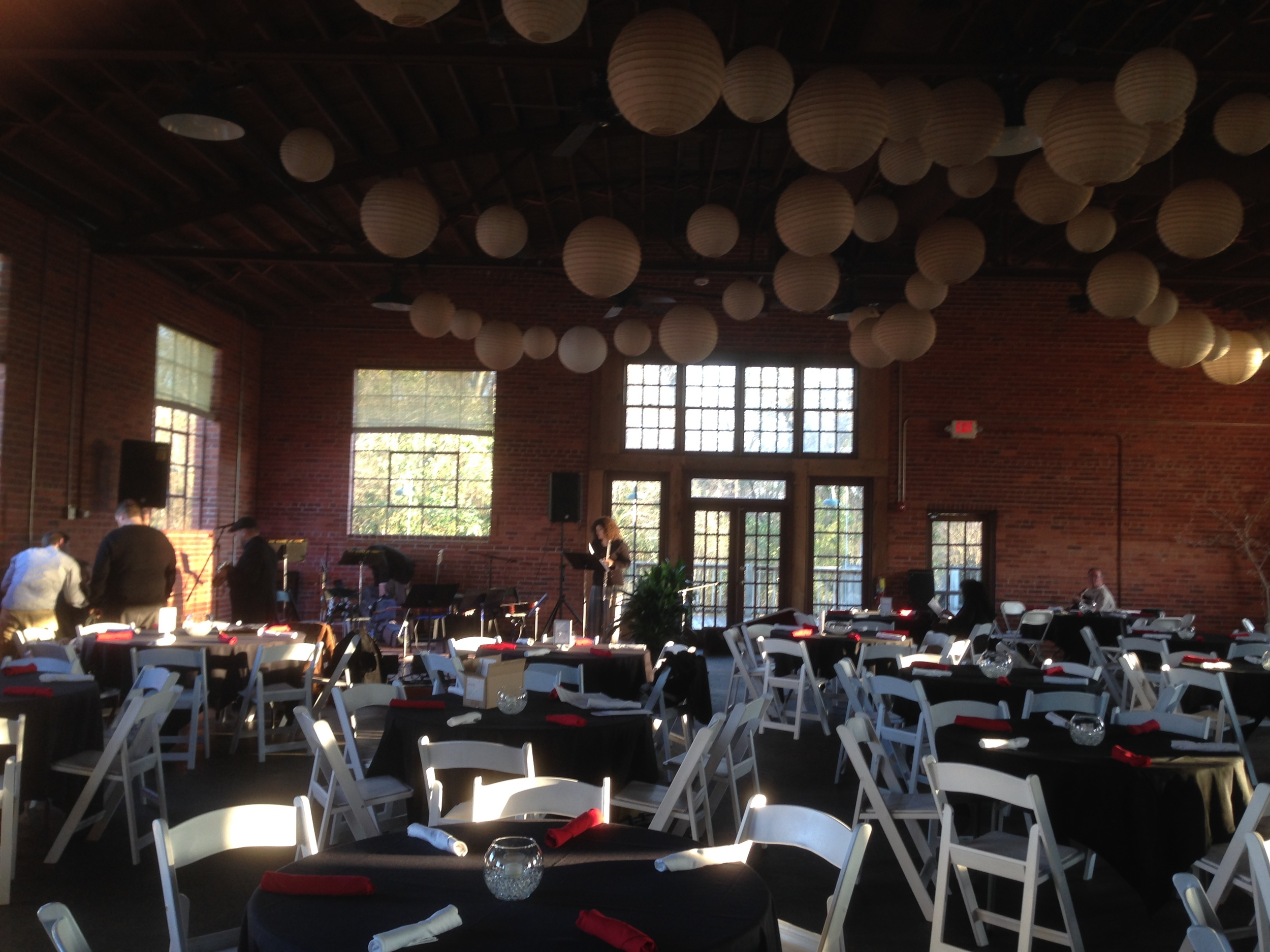 Great Space for a guitar Gala!