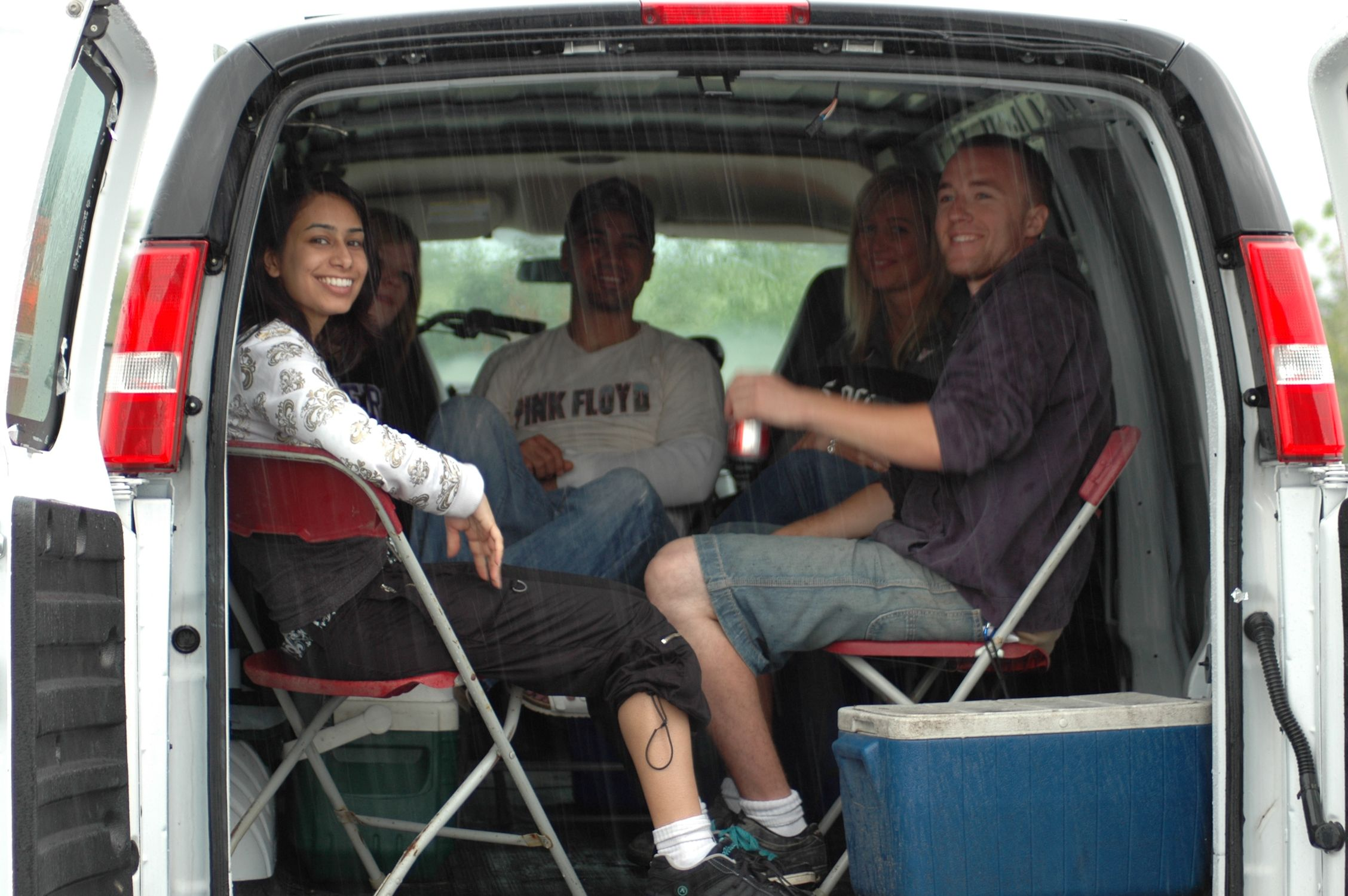 The crew (Felicia Simms, Kara MacLean, Tony Pacella, Krista Szecsany & Mark Westcott) take shelter during a rainy day exterior