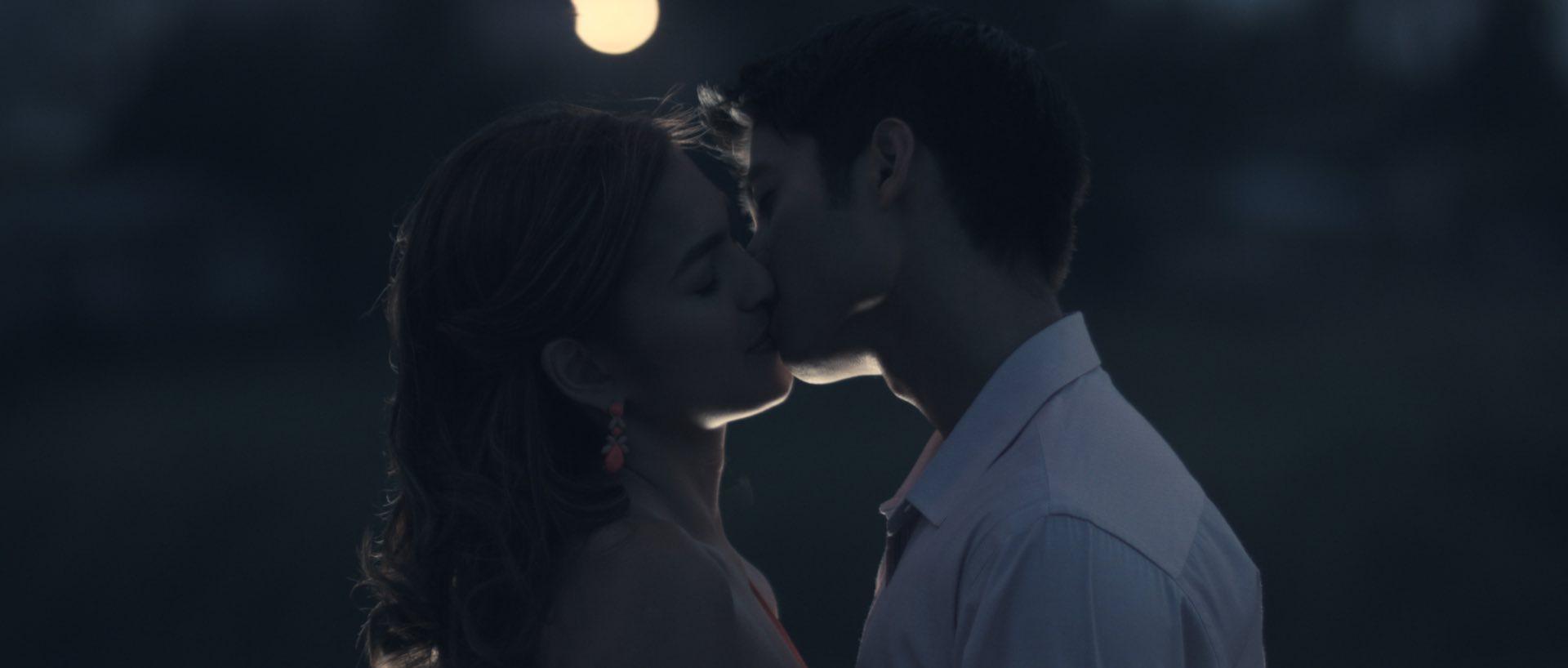 ANGELA_MARCO_KISS.jpeg