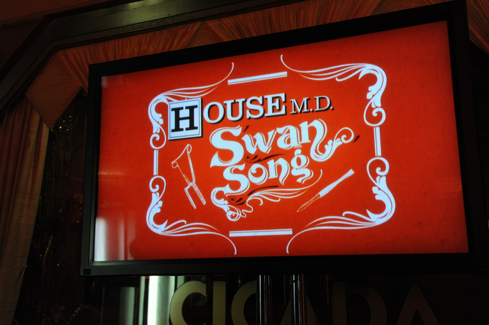 House-M-D-Series-Wrap-Party-April-20-2012-house-md-30554237-2048-1363.jpg