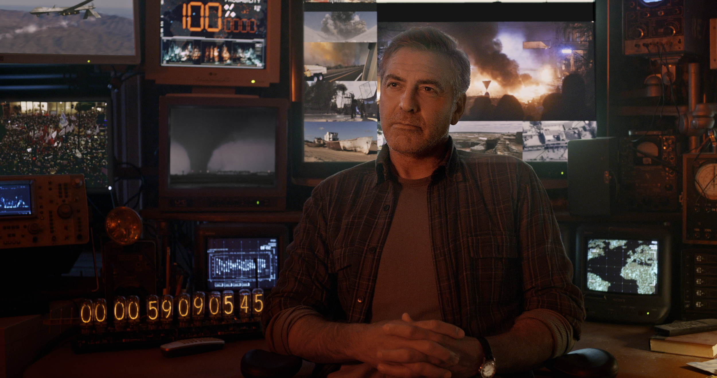 Disney's TOMORROWLAND  Frank (George Clooney)  �Disney 2015