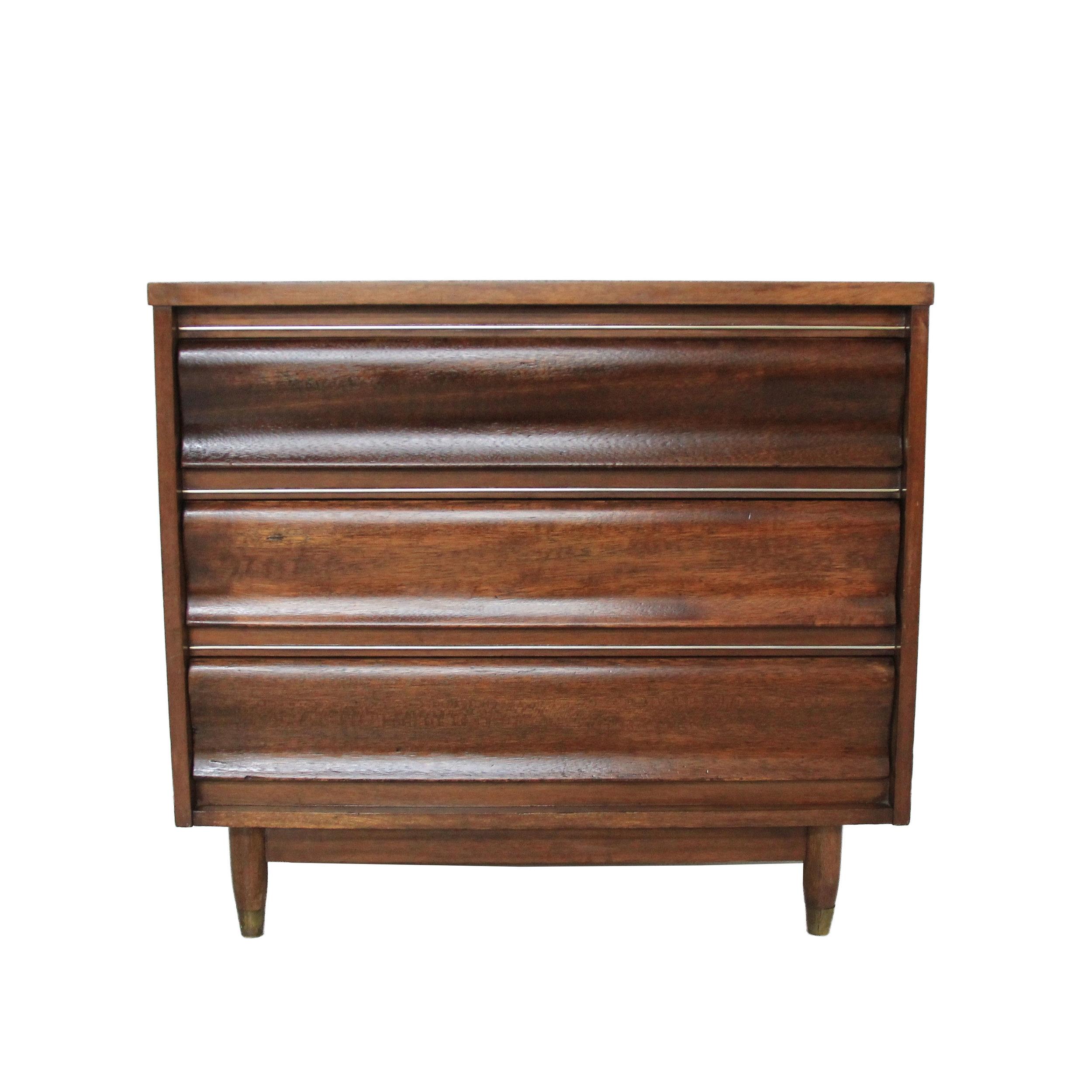 Vintage Mid Century Modern 3 Drawer Dresser by United