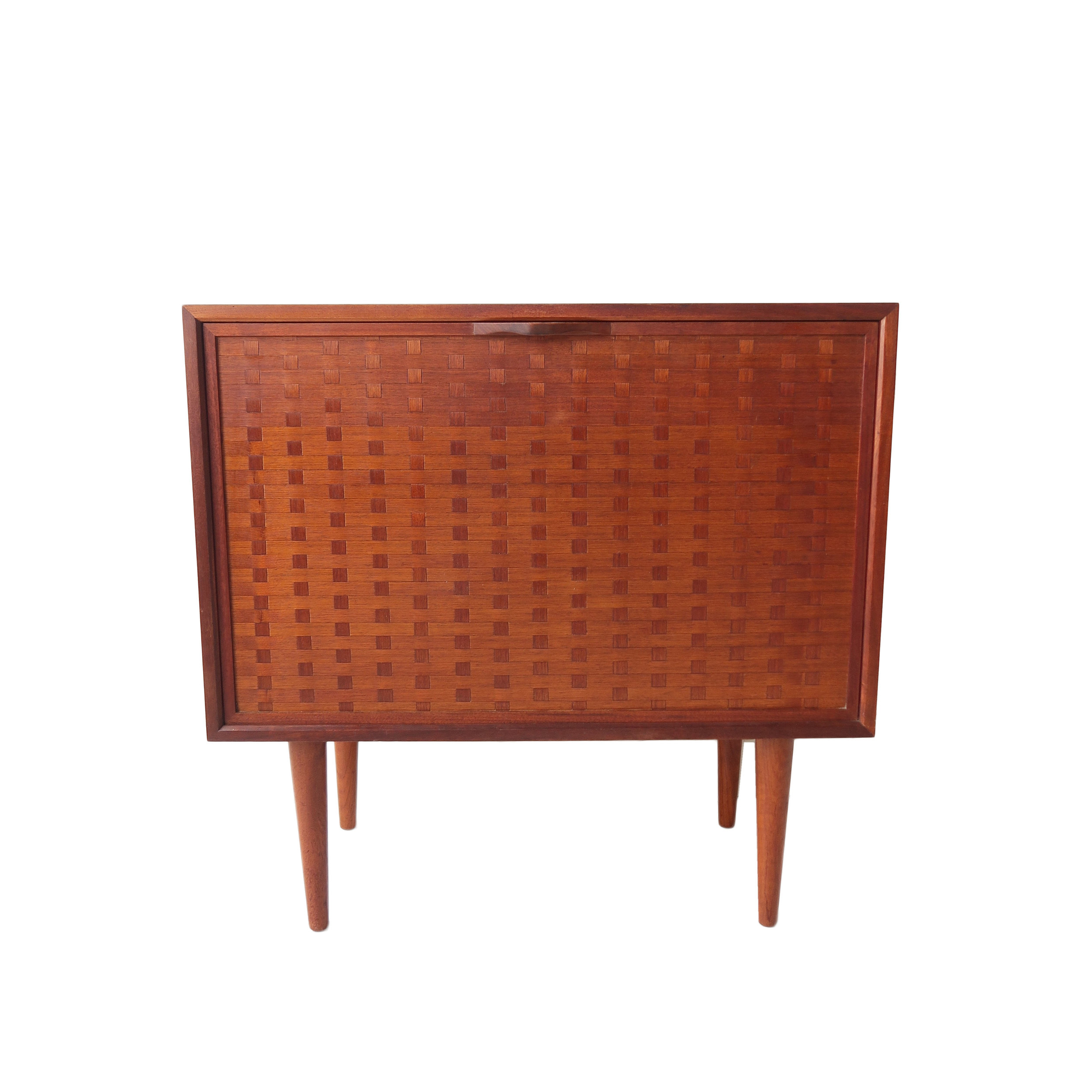 vintage mid century modern bar cabinet copy 2.jpg