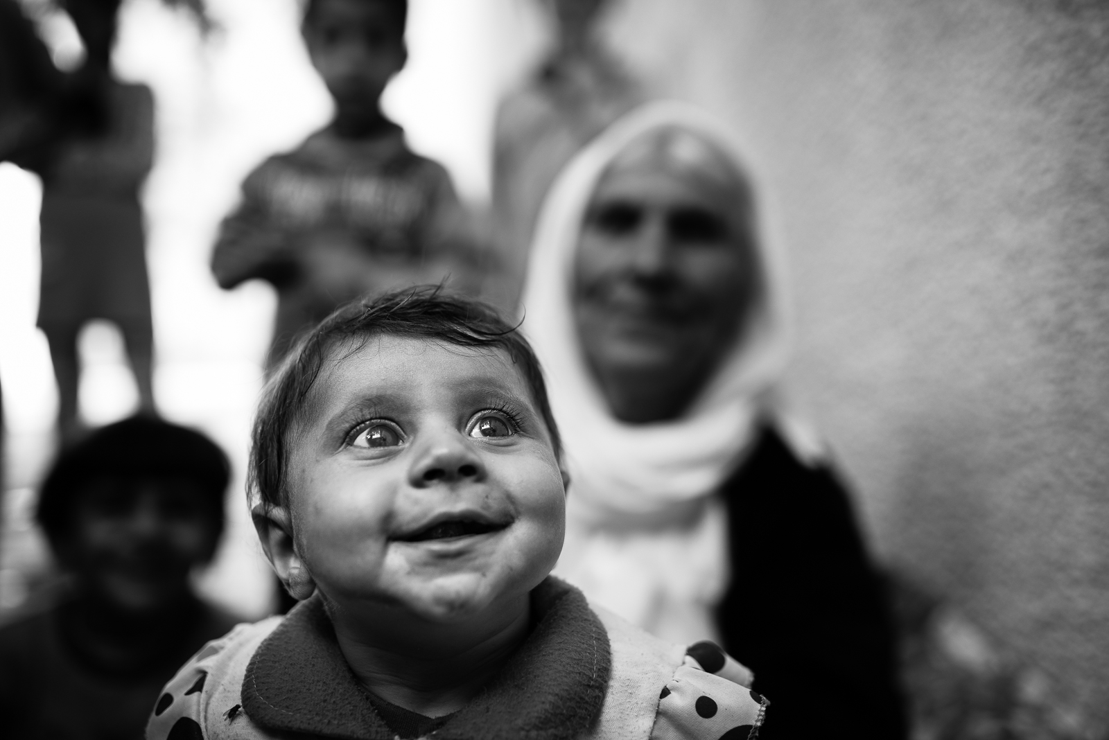 Child and grandma in a school of Zakho