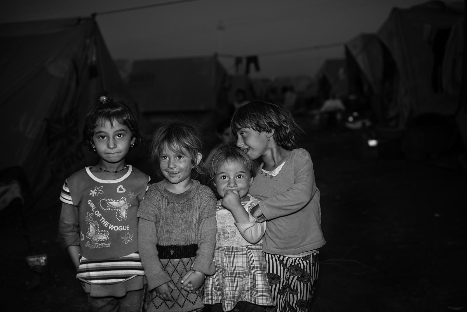 Little friends in Zakho's camp