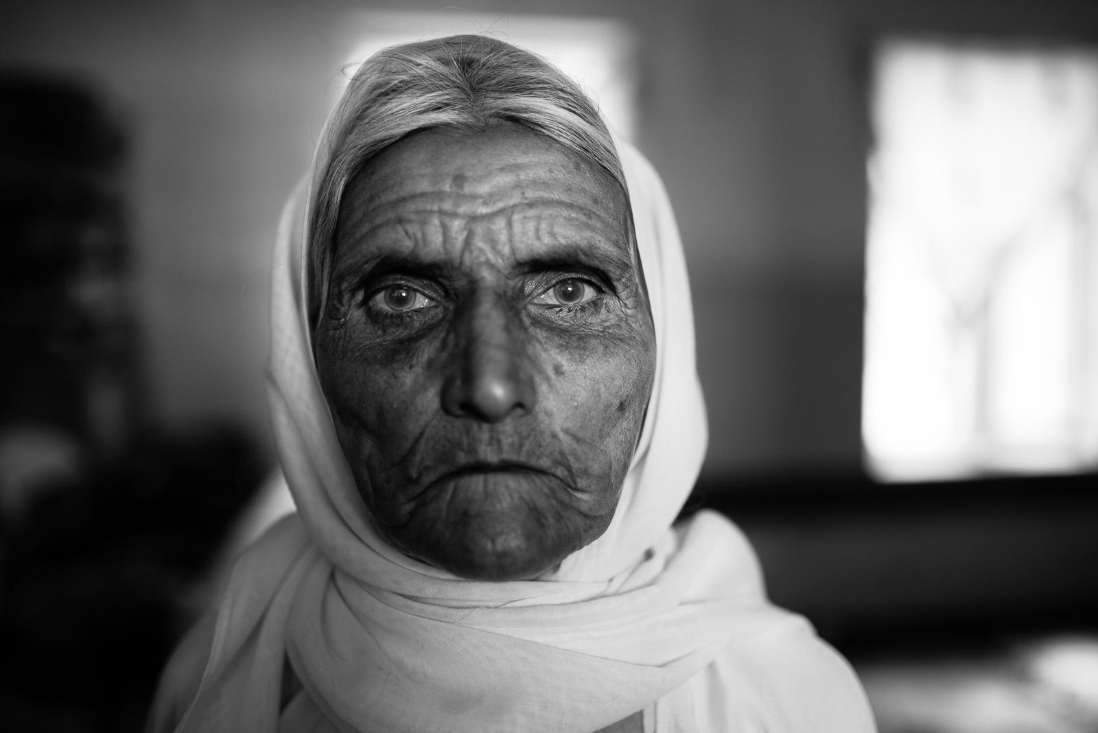 Ipnotic gaze, inside a school of Zakho