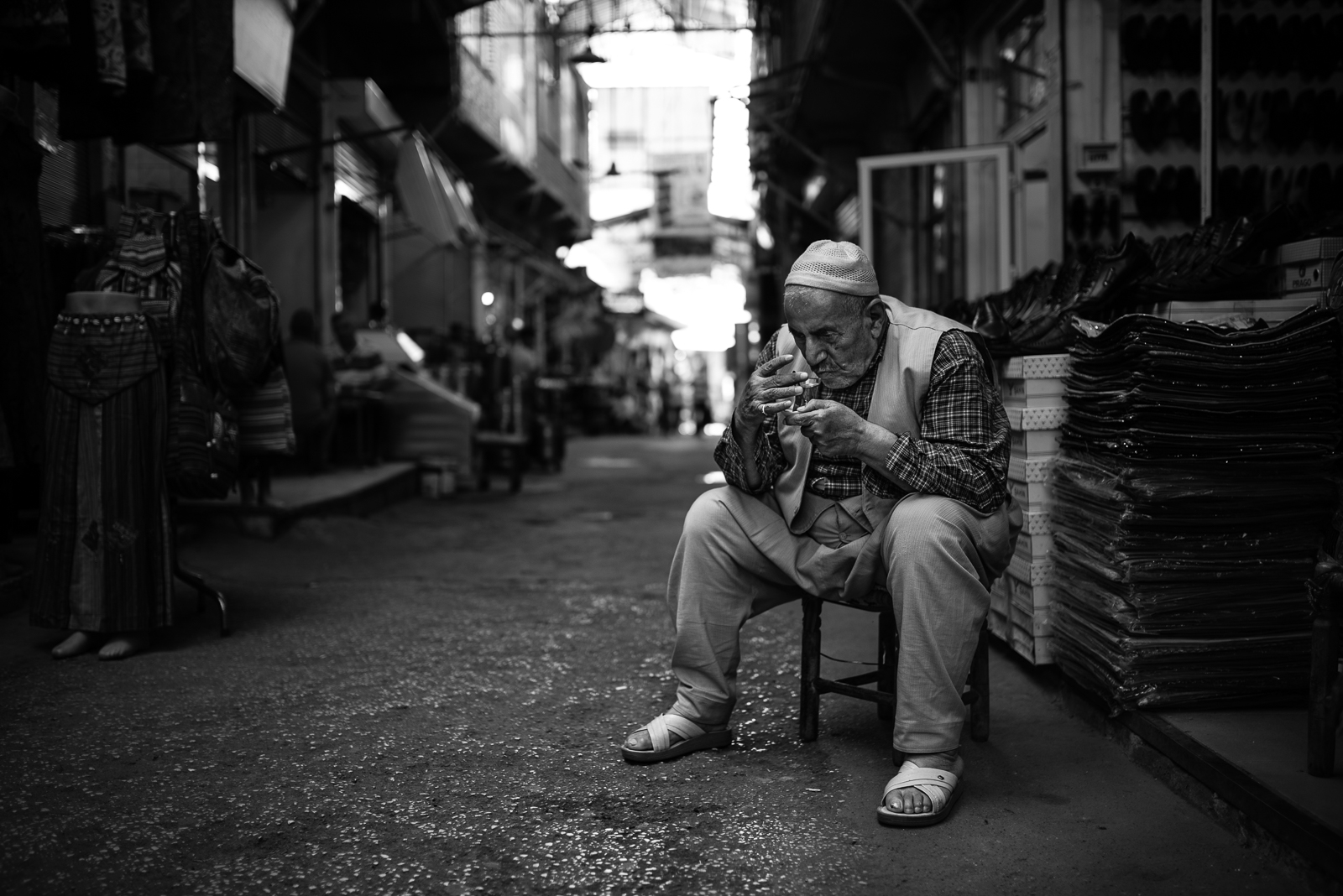 The tea (chai) drinker, Diyarbakir (Turkey)