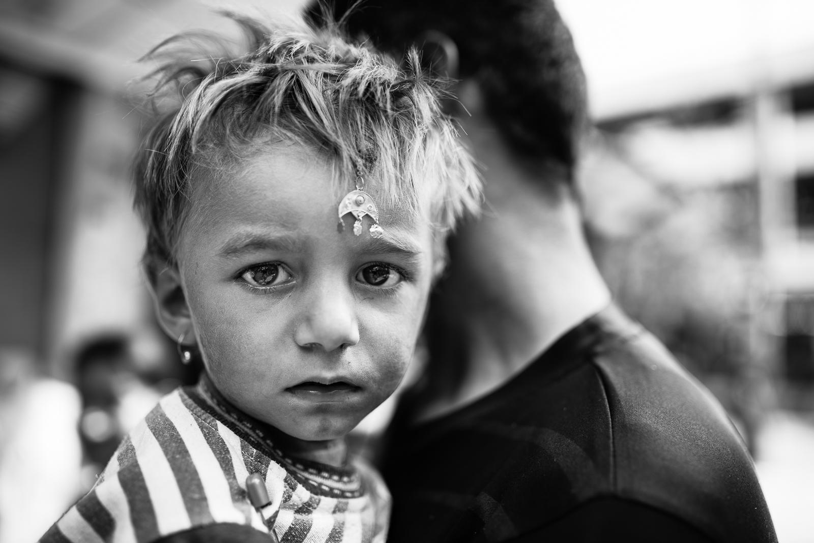 Little Yazidi girl in the streets of Zakho