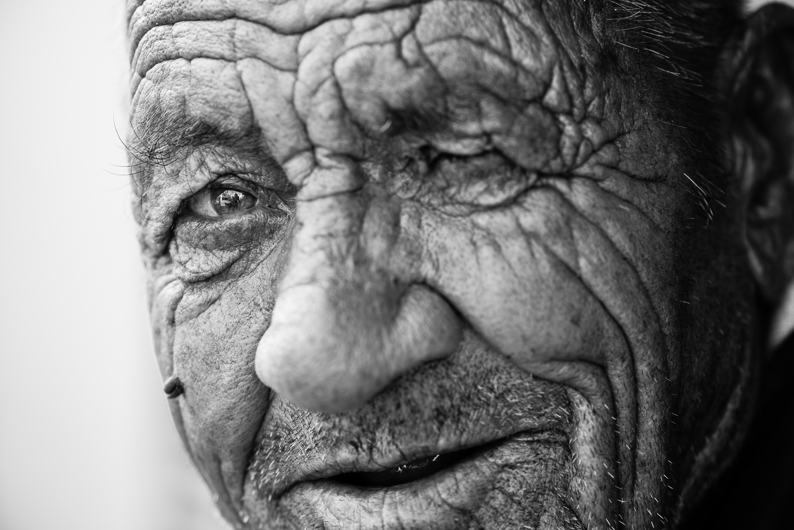 An elder turkish man in Gaziantep. The video of this photo is  here