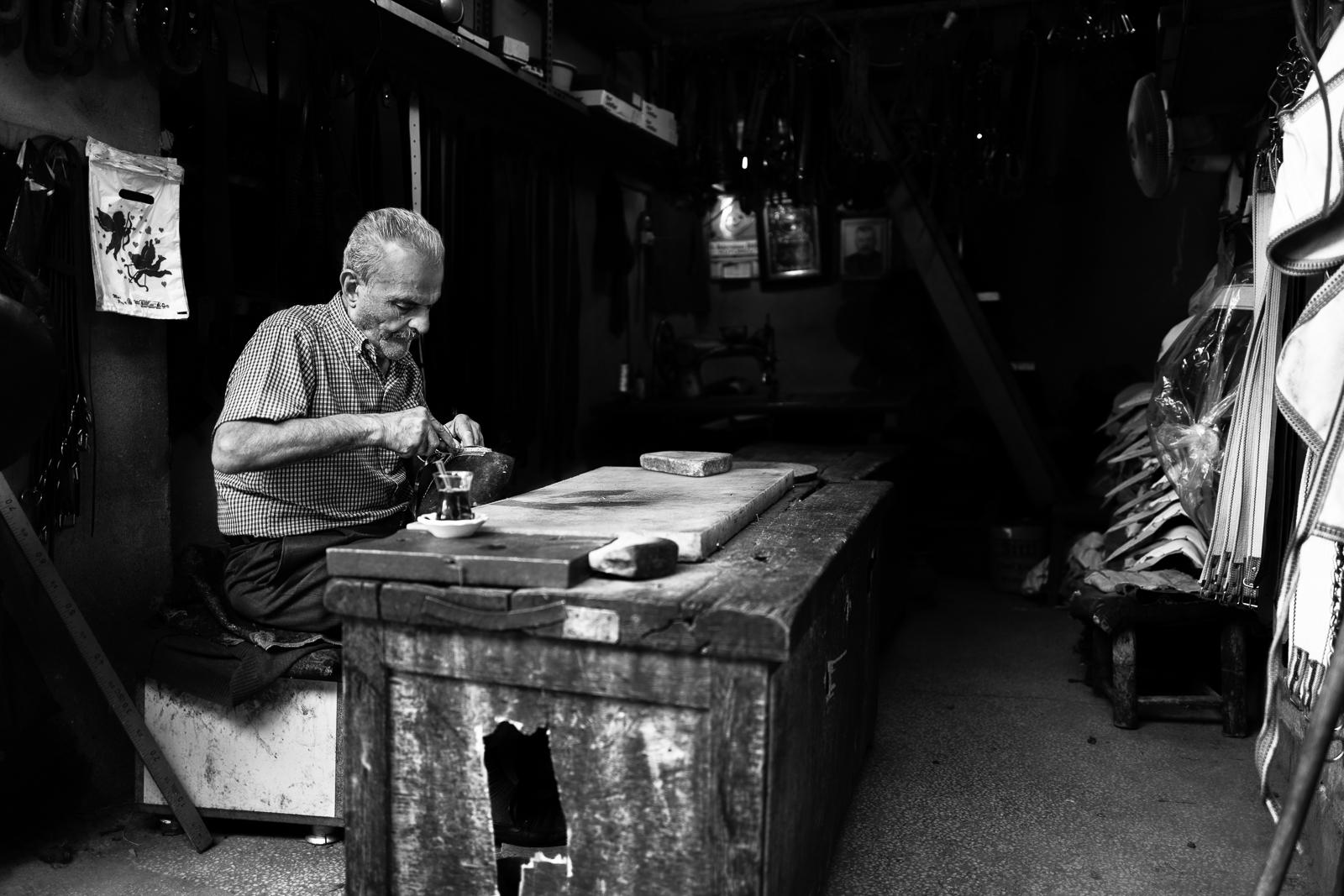 A shoemaker in Diyarbakir (Turkey)