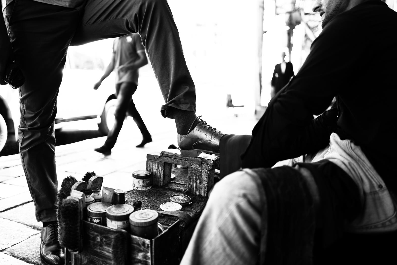 A shoeshine in Dahuok, Iraq