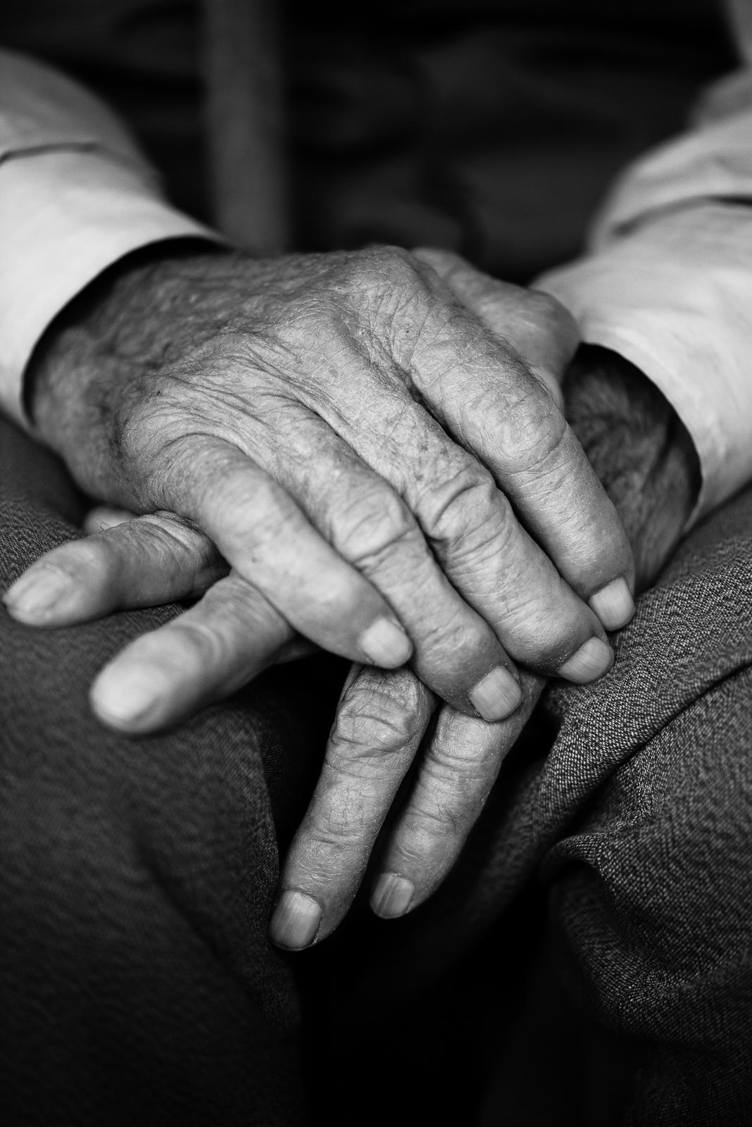 Elder man hands, Diyarbakir (Turkey)