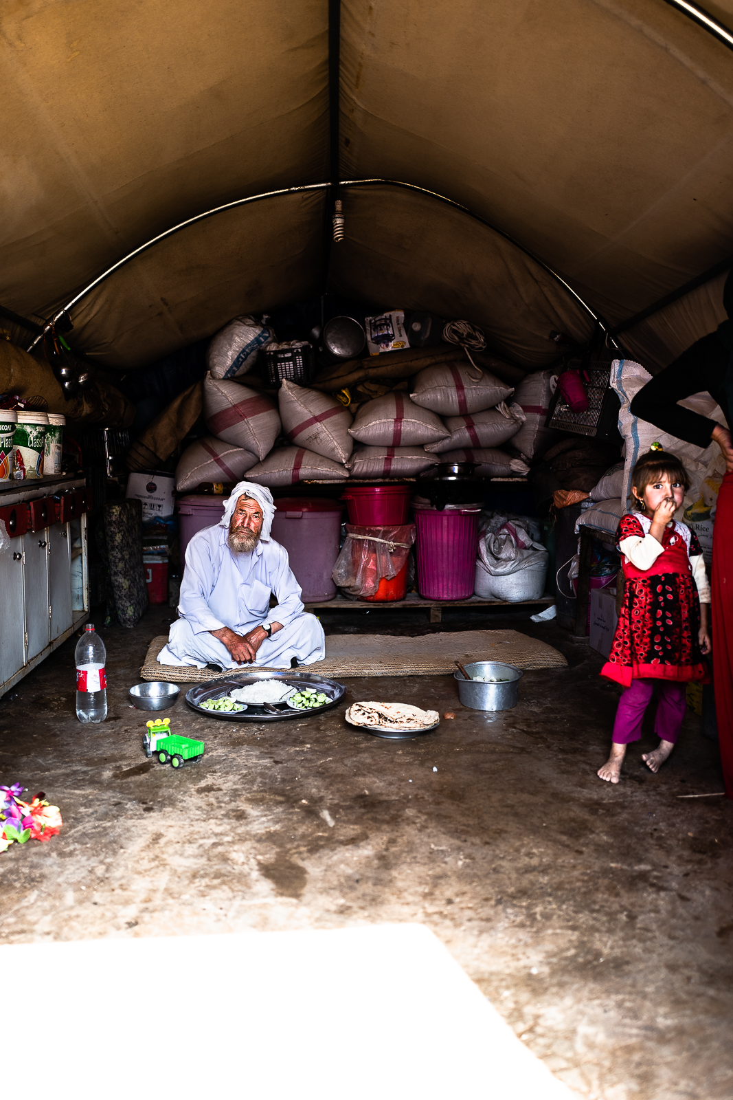 Life of a yazidi family inside a tent in the Sinjar mount