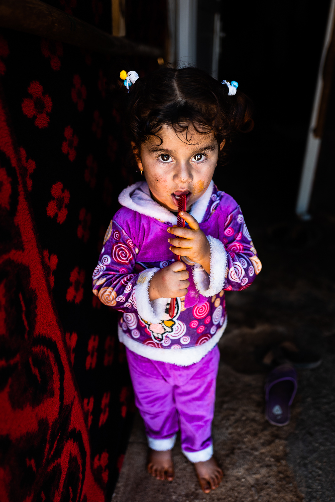 A little girl in the refugees camp of Khanik, near Douhk