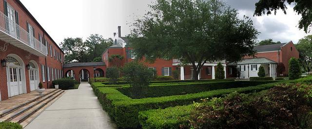 COURTYARD AT N.O.B.T.Seminaryby  DWAYNE EWERS  CREATIVE COMMONS  FLICKR