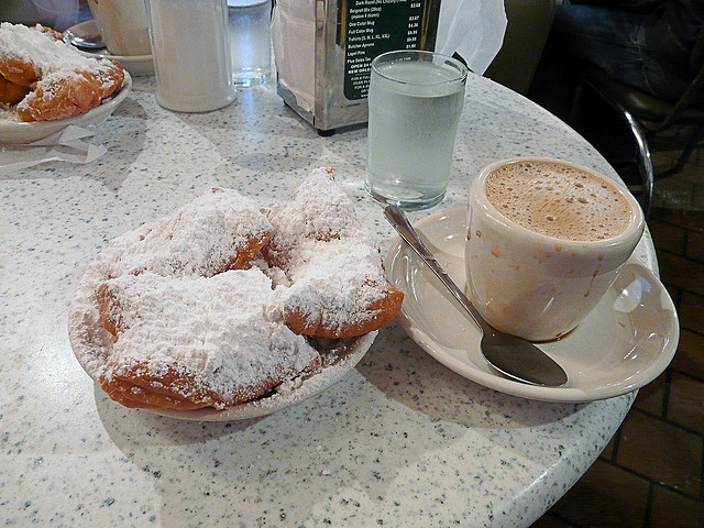 CAFE DU MONDE BEGNIETS & CHICORY COFFEEBY  HOWARD LIFSHITZ   CREATIVE COMMONS  FLICKR.COM