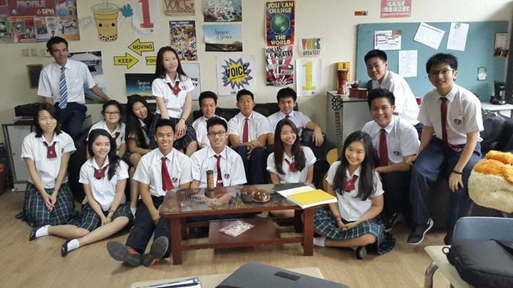 ERIC HENRY (Top left) with students in Jakarta.
